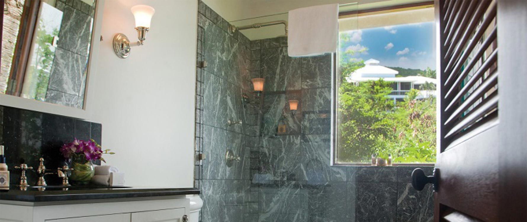 Guest master bathroom
