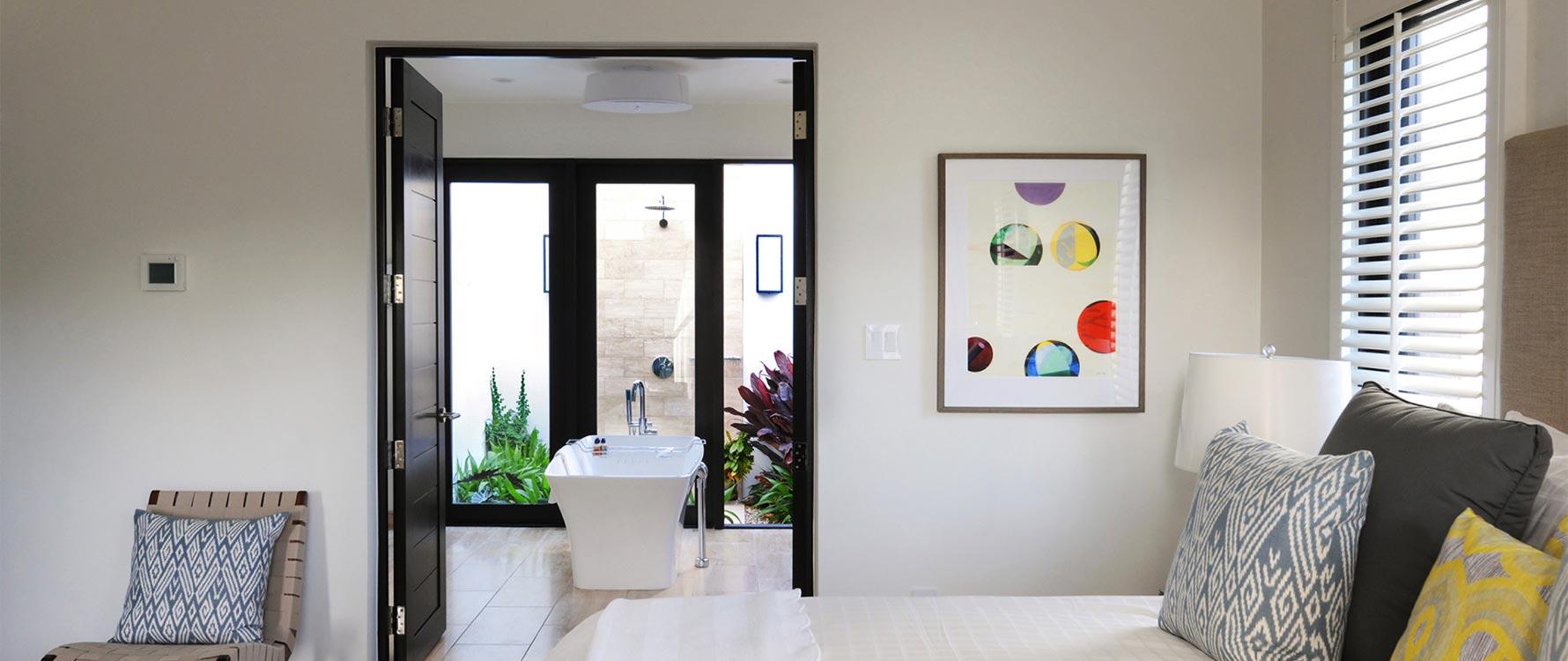 Guest bedroom & bathroom (downstairs king)